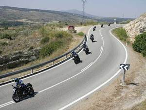 Curvas enlazadas Poluxcriville-motociclismo-es-curvas-enlazadas-moto-1