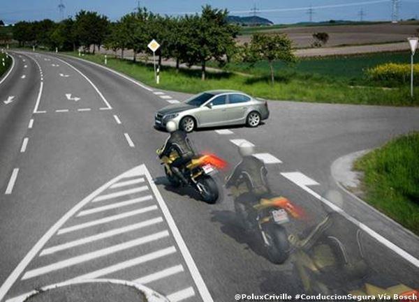 PoluxCriville-Via-Bosch-cruce-peliegros-visibilidad-conduccion-segura-moto