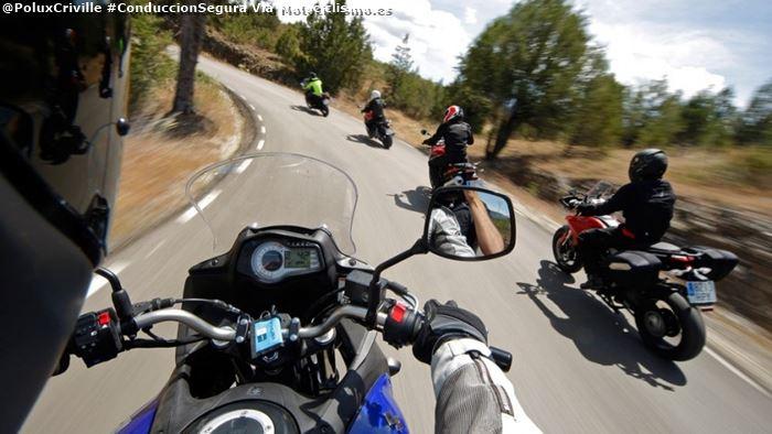 poluxcriville-via-motociclismo-es-conduccion-segura-moto-grupo