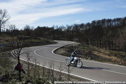 PoluxCriville-Via-Motociclismo_es-Jaime de Diego_conduccion-segura-moto-mejorar-trazada-Honda CB1100