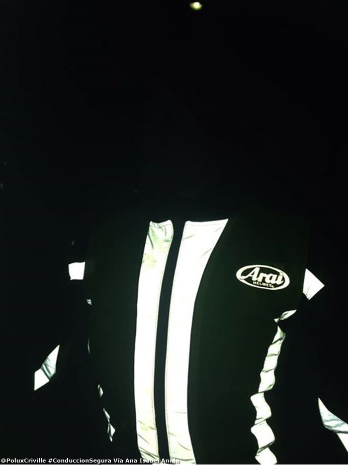 poluxcriville-via-ana-isabel-anido-ropa-reflectante-moto-visibilidad