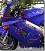 Masmoto.net_Moto caída con arañazos en el carenado