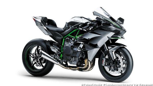 PoluxCriville-Kawasaki-h2r-conduccion-segura-moto