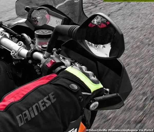PoluxCriville-Moto1-Magazine-Nro-14-Informe-frio-cubre-manos-moto-conduccion-segura