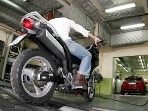 PoluxCriville-motociclismo-es-itv-moto (c) Motociclismo.es