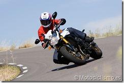 Conducción segura en moto, busca una postura natural