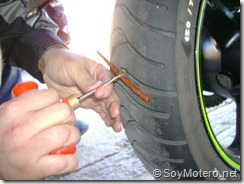PoluxCriville-Soy-Motero-Net-Reparar-Pinchazo-moto-10