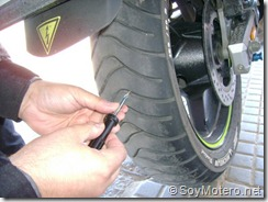 PoluxCriville-Soy-Motero-Net-Reparar-Pinchazo-moto-4