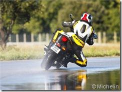 PoluxCriville-Motos-Net-Pilot-Road-3-presentacion-6
