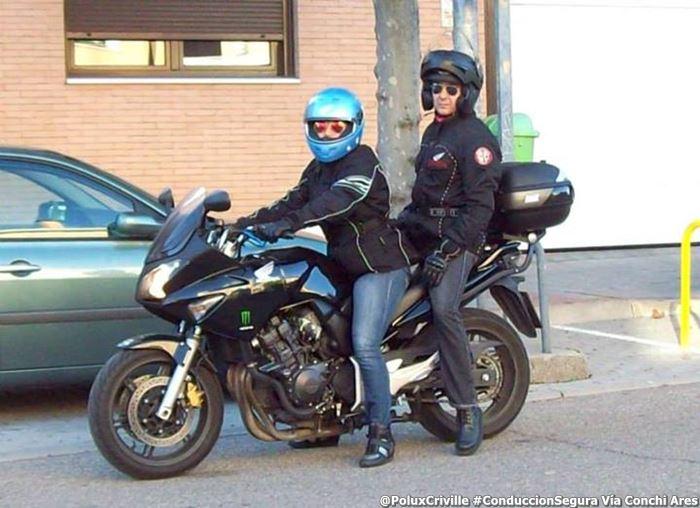 PoluxCriville_Vía_Conchi_Ares_piernas-calambres-motos