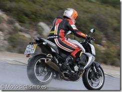 PoluxCriville-Motociclismo-es-conducir-moto-lluvia.jpg