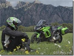 PoluxCriville-Motos-Net-Xavi-Pladellorens-Logica-evolucion-Kawasaki-Z1000SX (13)