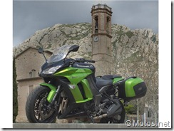 PoluxCriville-Motos-Net-Xavi-Pladellorens-Logica-evolucion-Kawasaki-Z1000SX (16)