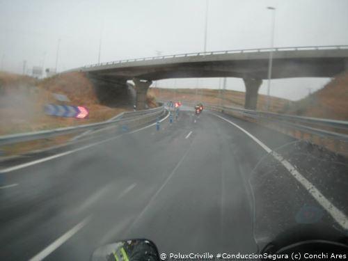 PoluxCriville-Via_Conchi_Ares-moto-conduccion-segura-lluvia-visibilidad