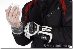 PoluxCriville-Motociclismo-es-Trucos-contra-agua (5)