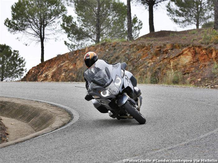 poluxcriville-via-michelin-pilot-road-4-presion-inflado-seguridad-moto
