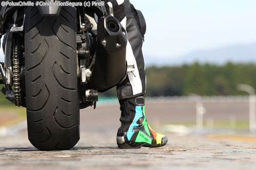 PoluxCriville-Pirelli-Angel-GT-neumatico-estado-moto-conduccion-segura