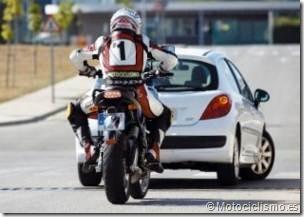 PoluxCriville-Motociclismo-es-choque-alcances-en-carretera-moto