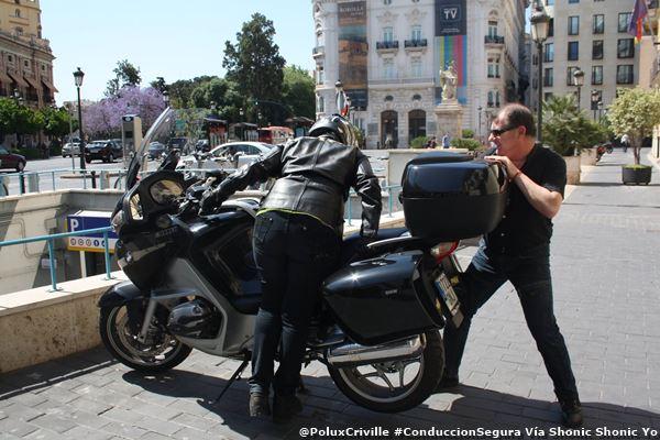 PoluxCriville-Via-Shonic Shonic Yo-manejar-moto-grande-conduccion-segura