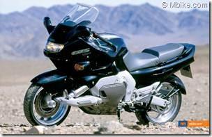 PoluxCriville-Mbike-com-Yamaha-GTS-1000