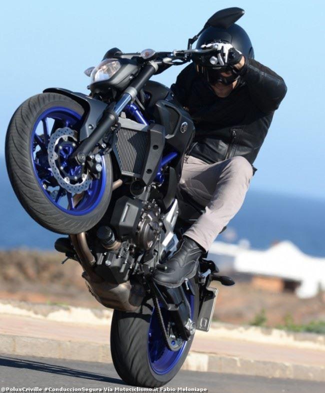 PoluxCriville-Via-Motociclismo.it-Fabio Meloniape -conduccion-segura.moto-confianza
