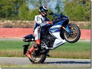PoluxCriville-Motociclismo_es-conduccion-segura-maniobras-emergencia