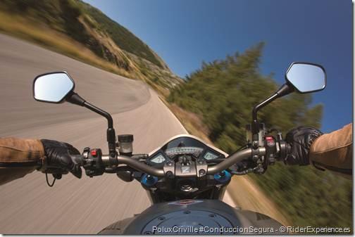 PoluxCriville-RiderExperience_Es_moto-ruta-curvas-velocidad
