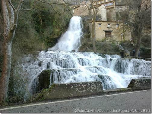 PoluxCriville-Stray_Bullet_Orbaneja del Castillo-cascada