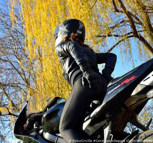 PoluxCriville_Via_GirlOnBikes_conduccion-segura-moto-asiento-dolor-culo-trasero-nalgas
