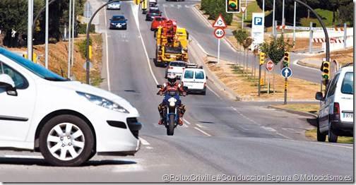 PoluxCriville-Motociclismo-es-conduccion-en-carrera-cruce-moto