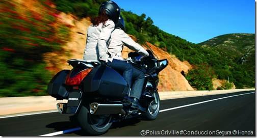 PoluxCriville-Formulamoto_es-moto-ruta-pasajero-curvas-Honda-panaeuropean