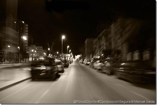 PoluxCriville-Manuel_García-la-calzada-de-noche-en-moto