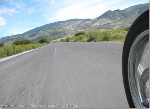 PoluxCriville-MotoRutaMexico-moto-ruta