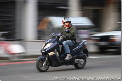 PoluxCriville-J&C_Campsolinas-moto-retrovisor-intermitentes-cambio-sentido (1)