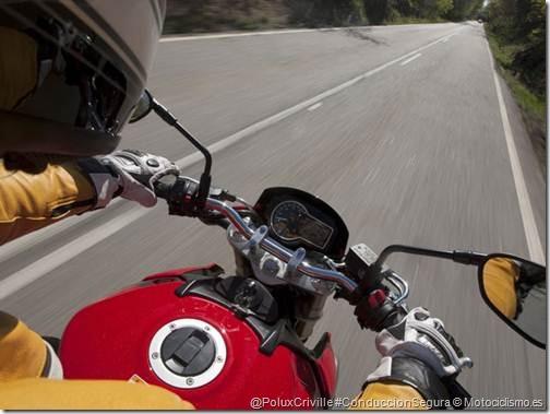 PoluxCriville-Motociclismo-es-ruta-suzuki gsr 750