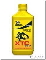 PoluxCriville-Bardahl_es-XTC C60 FULLERENE 10W40 4T_aceite-moto-nacked (1)