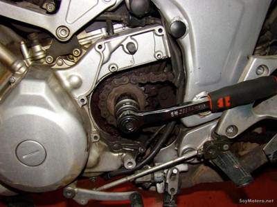 Cómo cambiar el kit de transmisión Poluxcriville-soymotero_net-cambiar-kit-transmision-moto-6