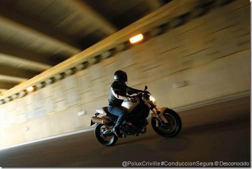 ConduccionSegura de motos en túneles Poluxcriville-autor-desconocido-via-arpem_com-moto-ruta-seguridad-tunel-3