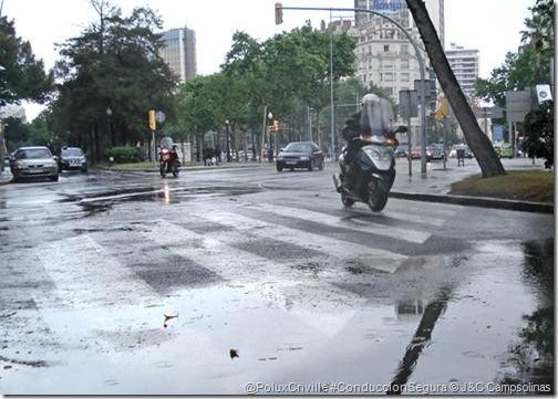 PoluxCriville-J&C_Campsolinas-conduccion-segura-moto-lluvia-nieve-hielo (1)