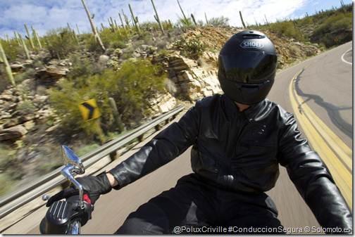 PoluxCriville-Solomoto_es-seguridad-motoristas-casco-pantalla-vaho-limpieza
