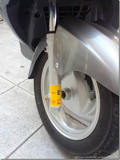 PoluxCriville-conduccion-segura-moto-itv-pegatina (5)