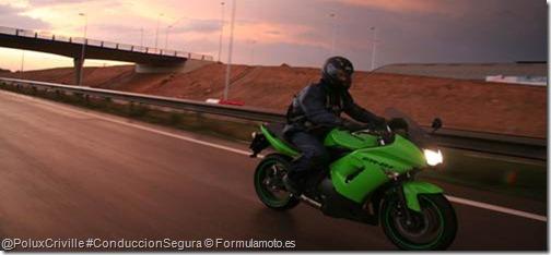 PoluxCriville-Formulamoto_es-moto-ruta-autopista-carreteras-conducir-noche-nocturna