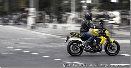 PoluxCriville-Kawasaki_es-conduccion-segura-moto-ciudad-er6-n-2012_5