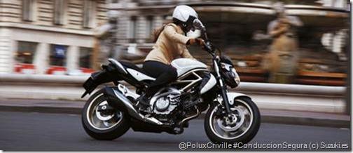 PoluxCriville-Suzuki_es-conduccion-segura-ciudad-trafico-Gladius-moto-chica-mujer