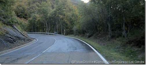 PoluxCriville-Enrique-Garcia_Loli-Gendra-moto-curva-ciega-asfalto-helada-ruta