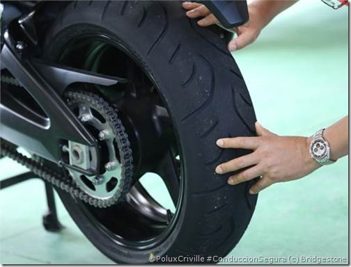 PoluxCriville-Bridgestone-Blattlax-T30-neumatico-moto-Sport-Touring (2)