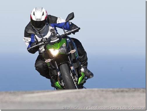 PoluxCriville-Bridgestone-Blattlax-T30-neumatico-moto-Sport-Touring (7)