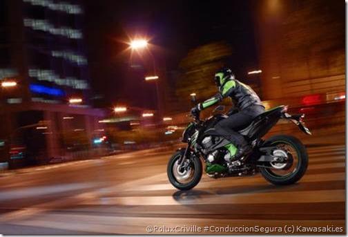 PoluxCriville-Kawasaki_es-moto-noche-conduccion-nocturna