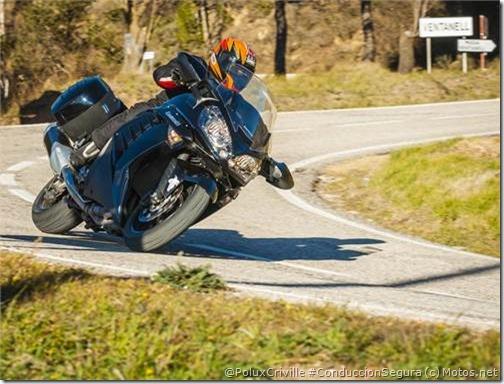 PoluxCriville-Motos_net-Kawasaki-gtr-1400-neumatico-moto-Sport-Touring