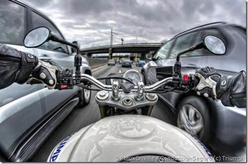 PoluxCriville-Triumph-moto-conduccion-defensiva